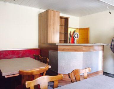Gastronomie-Tisch-und-Bar